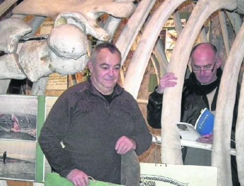 Michel SIDOBRE lit dans la baleine à Port-la-Nouvelle